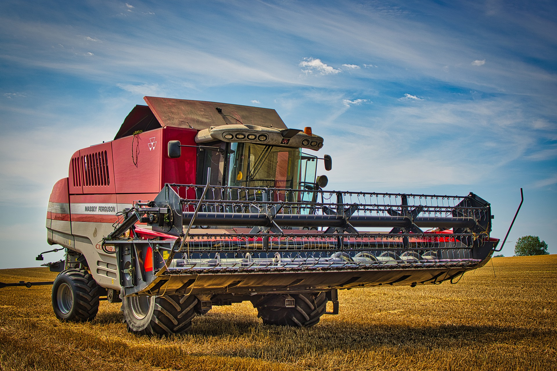 Combine Harvesters Massey Ferguson